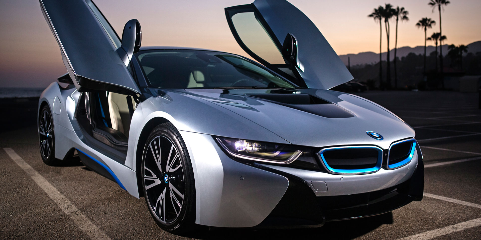 2017 Bmw I8 The Is Brand S Halo Performance Car Sleek Two Plus Four Seater Competes Against Other Rare Gems Like Audi R8