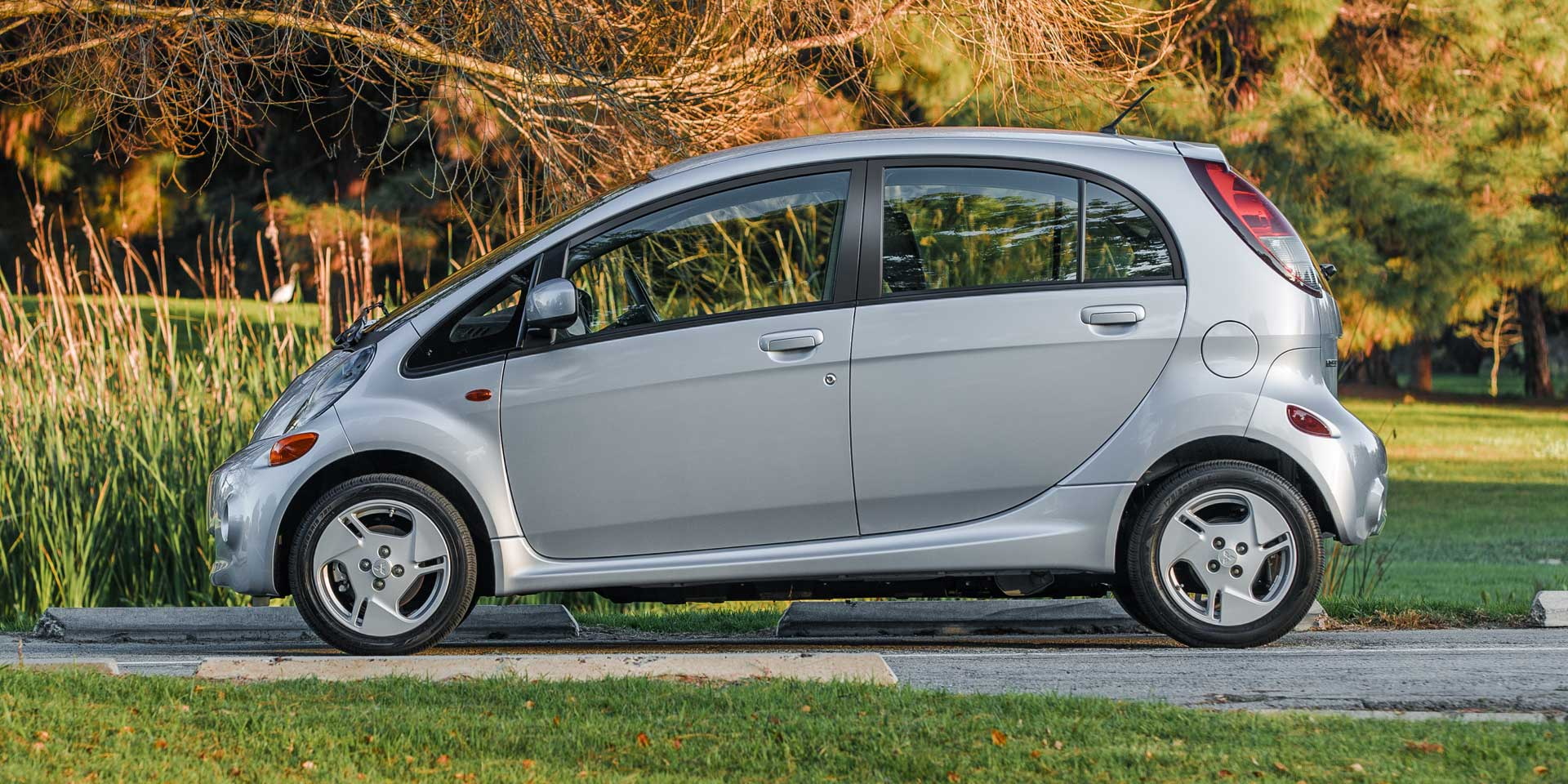 specs mitsubishi miev for ca sale reviews autotrader trims i photos price research options