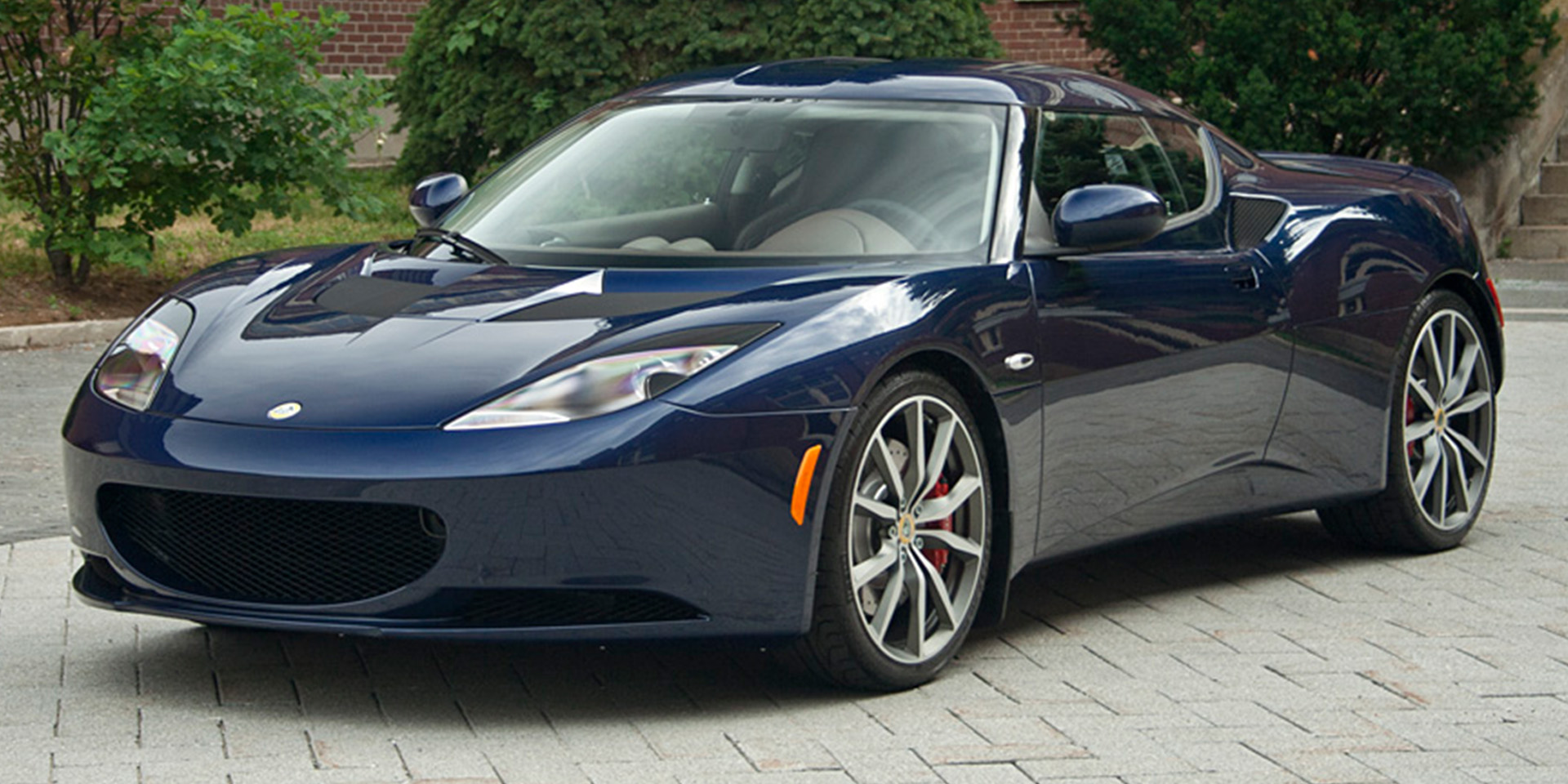 Sports Car Dealers In Chicago