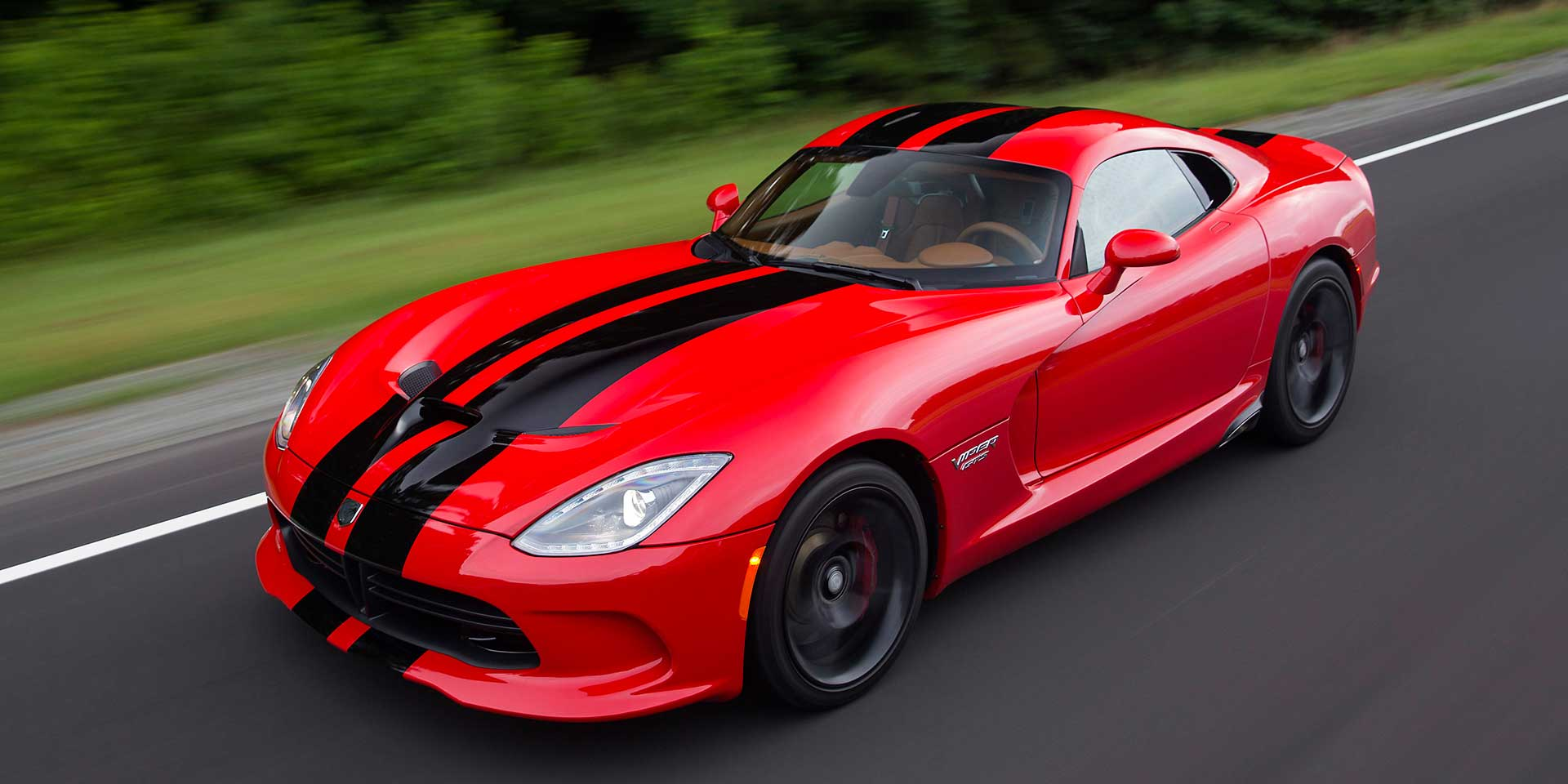 2017 Dodge Viper: The 2017 Dodge Viper Is A Two Seat Ultra High Performance Sports  Car That Competes With The Chevrolet Corvette And Porsche 911.