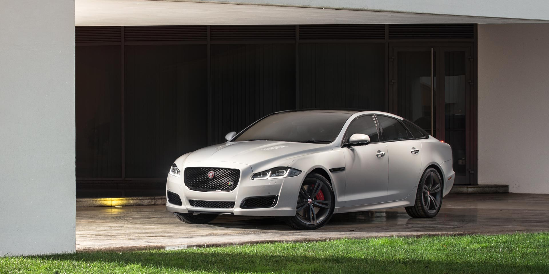 wheeler youtube jaguar reveal and watch xj dealers sale