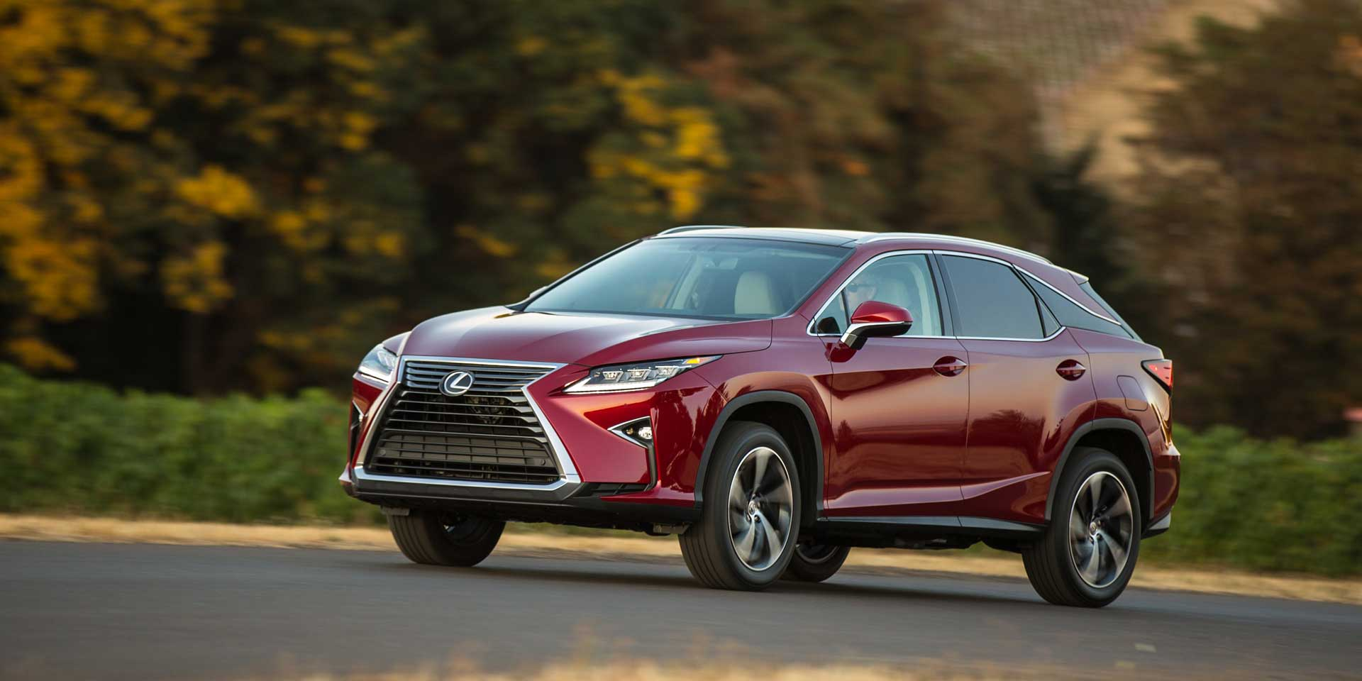 2017 Lexus Rx The Is A Five Seat Mid Size Luxury Crossover Suv Original Was One Of First Crossovers To