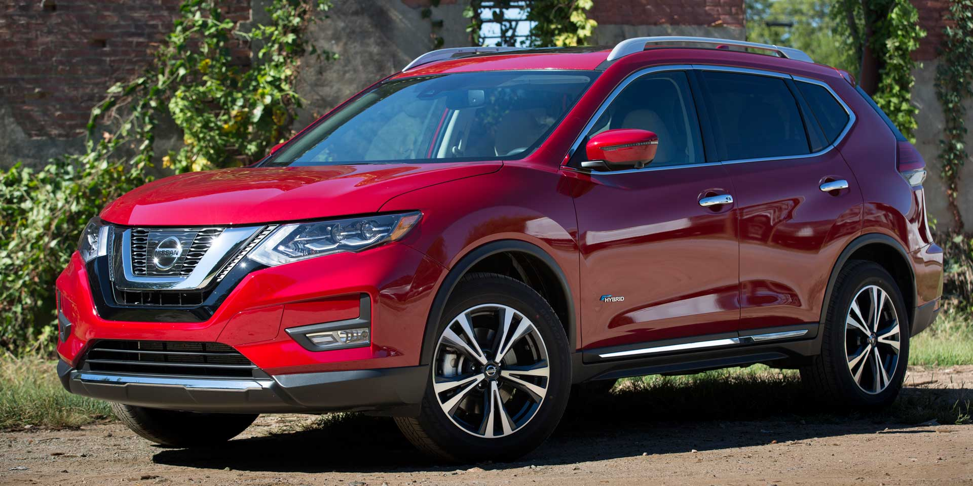 2017 Nissan Rogue The Is Refreshed And It Adds New Tech Features A Newly Available Hybrid Train
