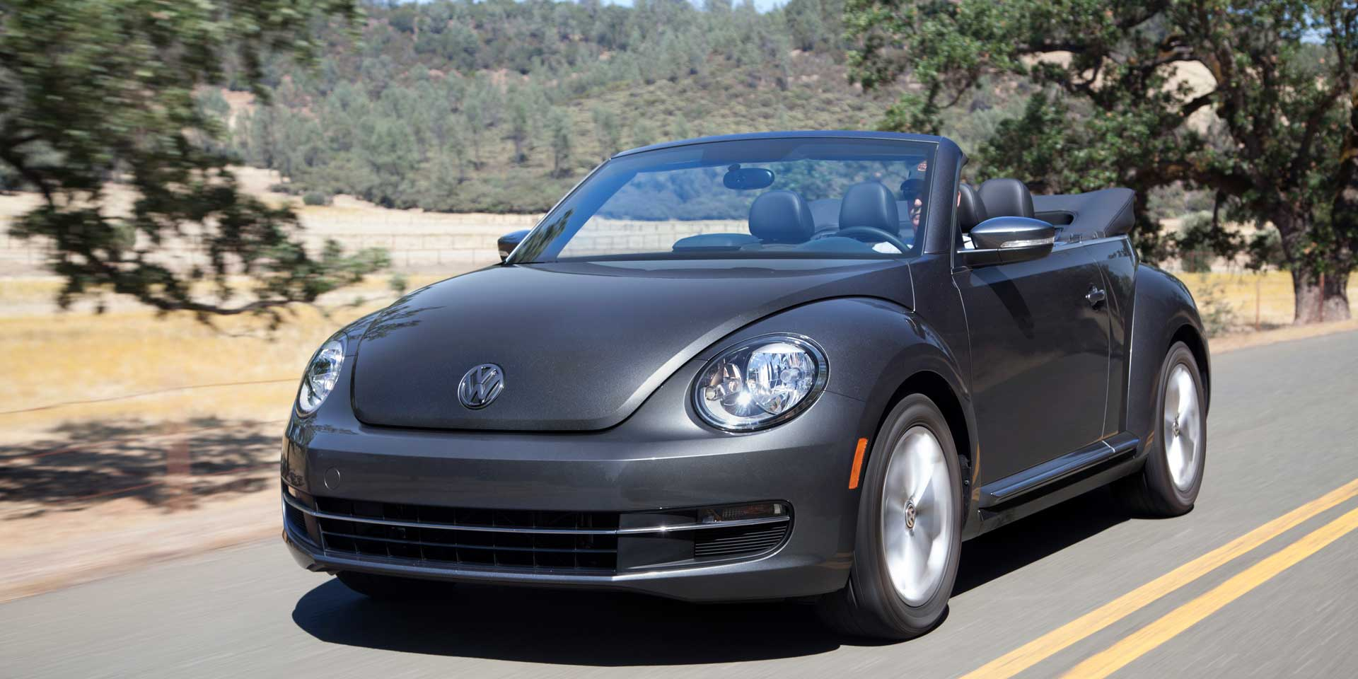 2017 Volkswagen Beetle The Is Modern Version Of Clic Bug Available In Coupe Or Convertible Forms Gains