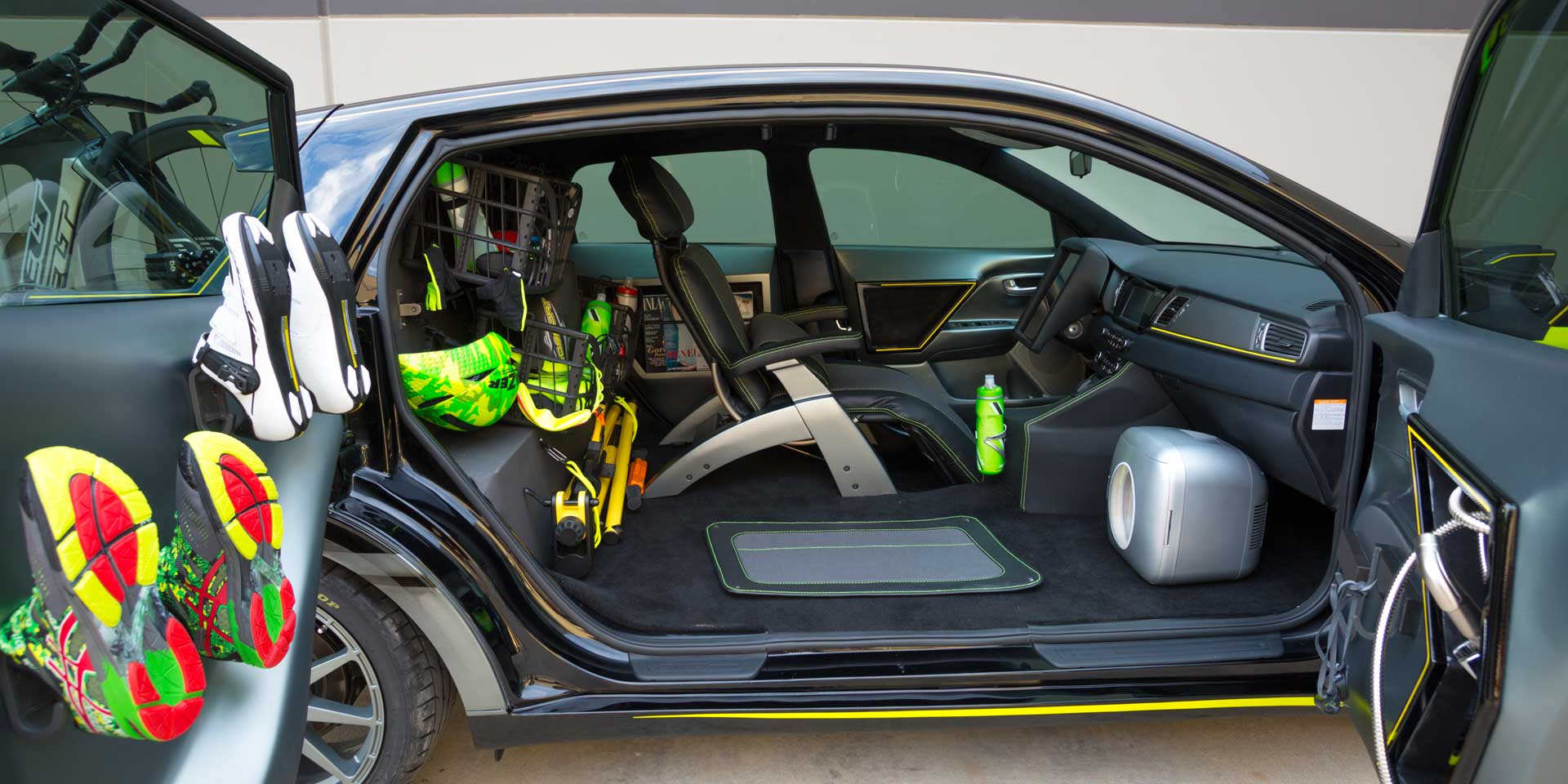Kia Niro Triathlon The Is A Hybrid That S Modified To Be Active Athlete Best Friend This Self Driving Car Has Cargo E