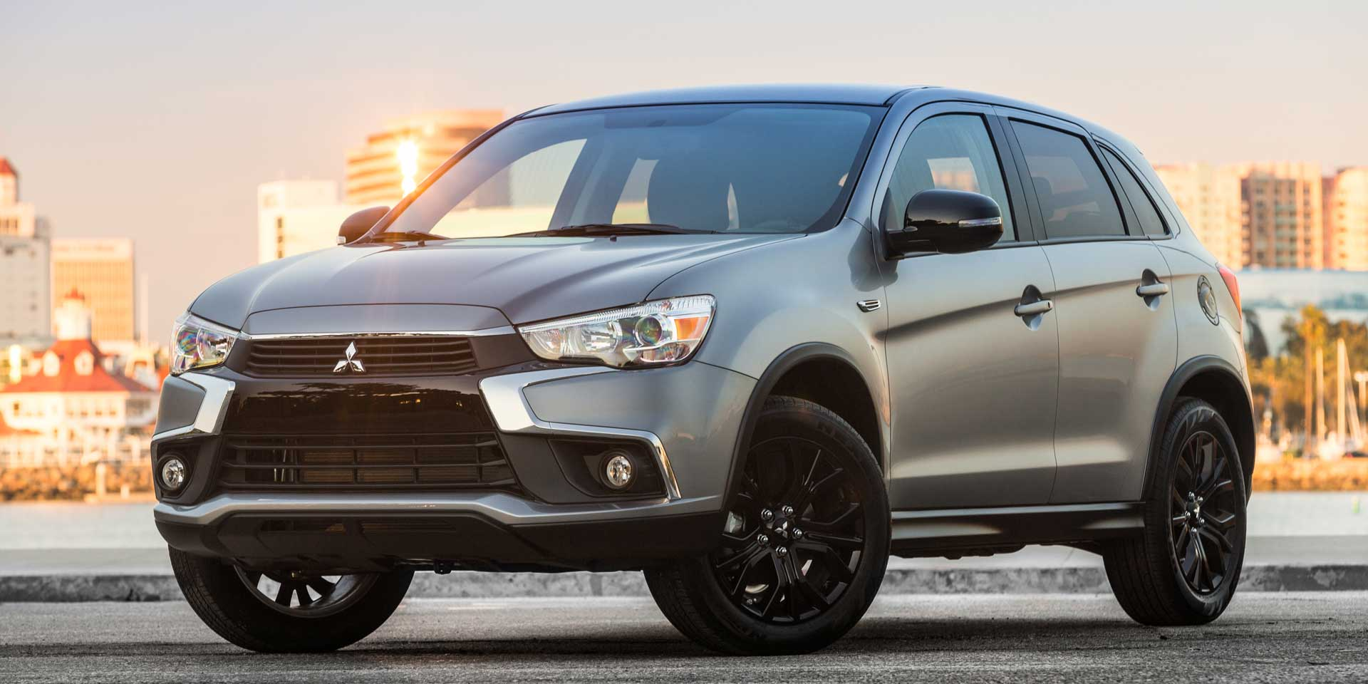 https://www.drivechicago.com/featured/img/Mitsubishi-Outlander-Sport-Limited-3.jpg